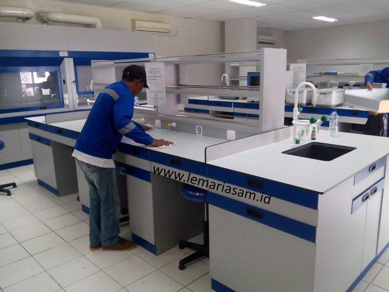 jasa pembuatan meja lab custom