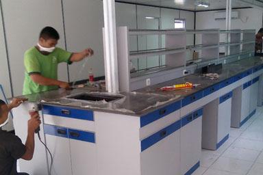gallery 4 meja laboratorium